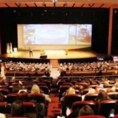 Ampliar a imagem - Palestra sobre arroz lota auditório no Congresso Brasileiro de Nutrição.